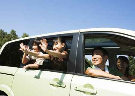 孩子在车上 别开窗!图片1