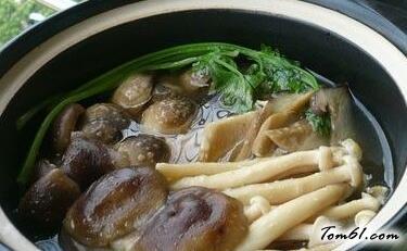 零厨艺杂菇煲,适合厨房新手的简单家常菜