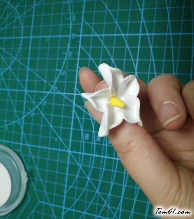 小花朵的彩泥橡皮泥制作教程图解2