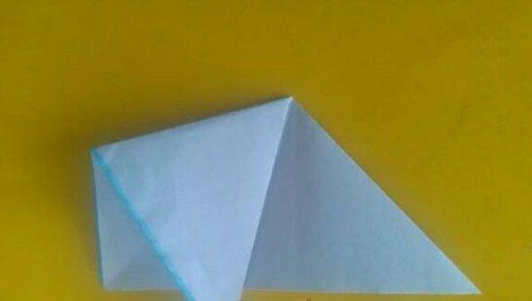 可爱的小金鱼剪纸图案与图解教程