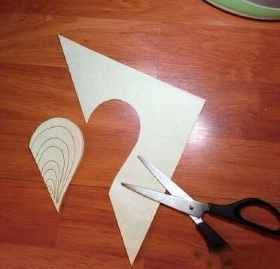 心形剪纸图案的剪纸方法 怎么剪出完美的爱心图片3图片
