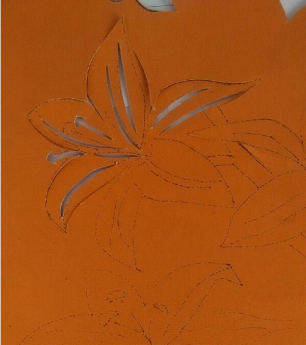 植物剪纸步骤图解-立体百合花图片2