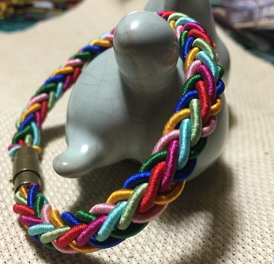彩虹手链的编法和编织教程图片1