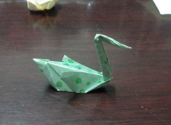 优雅的天鹅的折纸图解与方法教程
