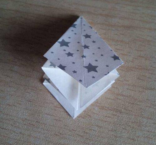 折纸百合花步骤图解-简约美丽百合花 图片4