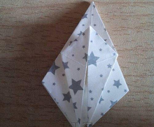 折纸百合花步骤图解-简约美丽百合花 图片7