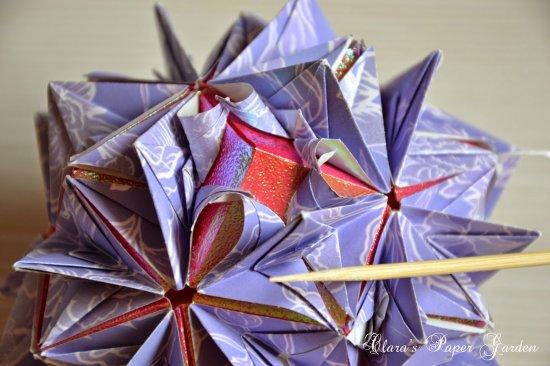 立体石花花球折纸步骤图片12