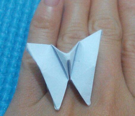 蝴蝶戒指的折紙圖解與方法教程